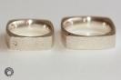 Quadratur-Ringe in 925°°° Silber mit weißem und schwarzem Brillant